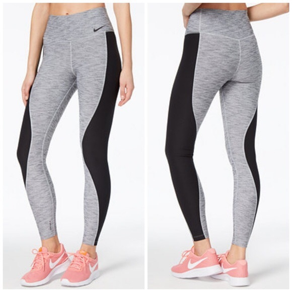e729c21e98bfa Nike Power Sculpt Hyper Training Tights • NWOT. M_5ba11190bb7615bed54d46b8